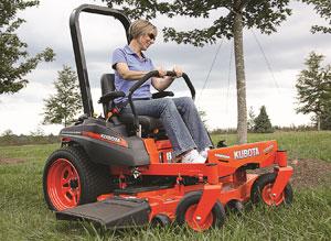 Kubota-ZG127S-Grass-Cutting