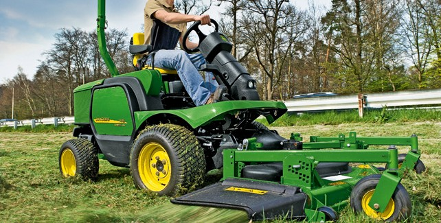 Quality Results In a Timely Fashion With The John Deere 1445 Mower