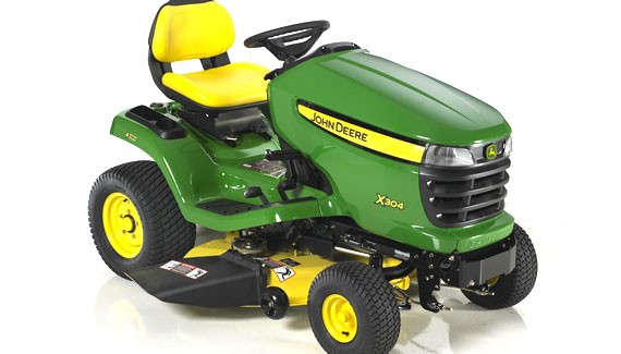 John Deere X304 Agricultural Review