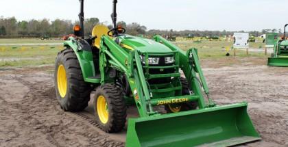 2015-John-Deere-4052R-Front