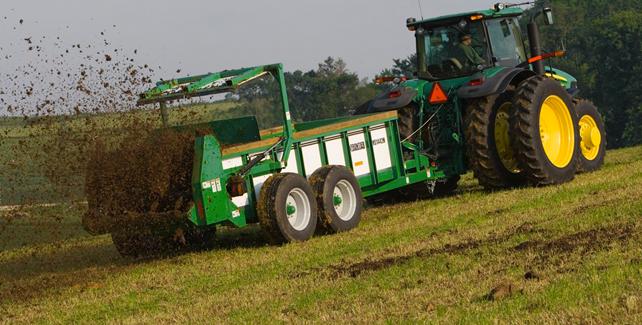 John Deere: MS14H manure spreader