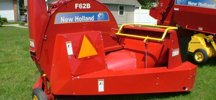 New Holland: F62B Forage Blower