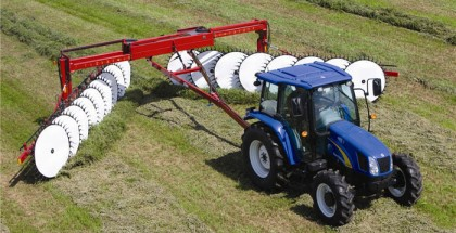 hay_forage_newholland